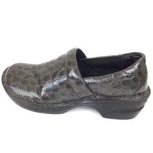 Born b.o.c. Peggy Crocodile Nurse Clogs size 8